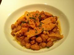 トリッパ(牛の胃)とうずら豆の煮込み