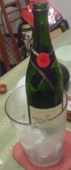 04.Moet & Chandon Brut Imperial Champagne (放在冰桶)