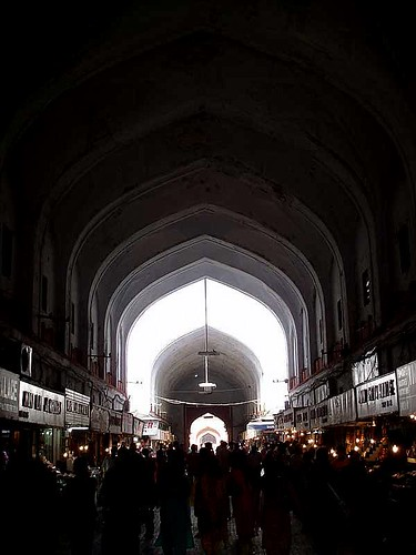 bazaar-inside-red-fort