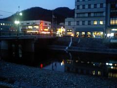 新見駅前からの高梁川(岡山県新見市)