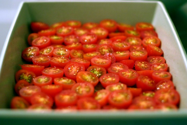 tomatoes, ready to roast