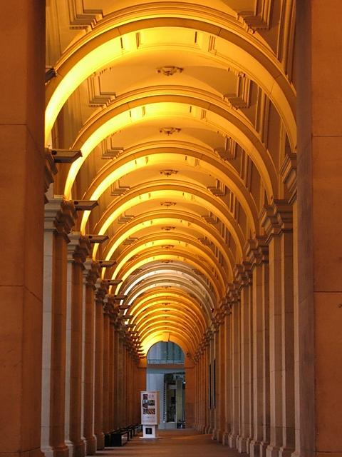 Australia, Melbourne: Round above my head