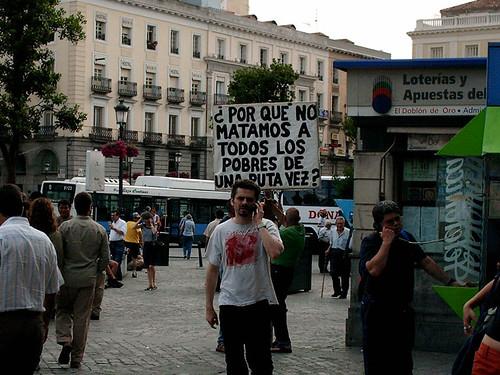 """Un altra """"minifestació"""", amb un lema amb ganxo."""