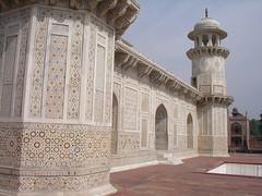 Itimad-Ud-Daulah, Agra