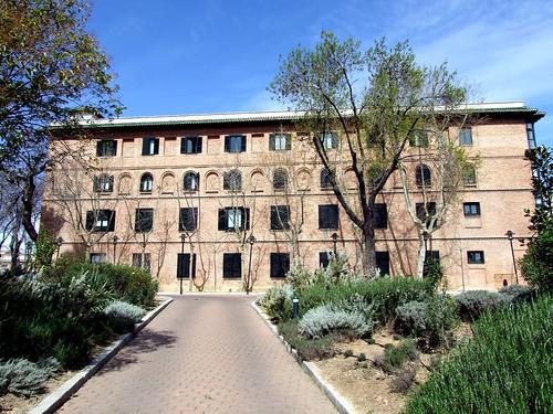 Residencia de Estudiantes-Pabellon 1-calle Pinar-04-2007