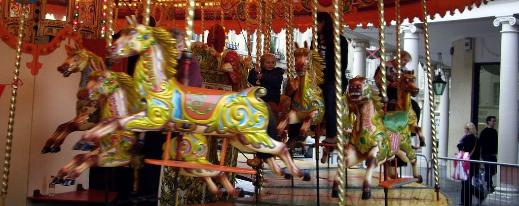 06113006somsetbathstallst-and-bathstcarousel