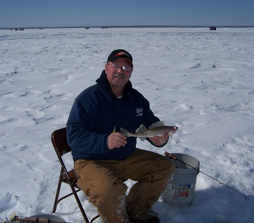 Tom with sauger.jpg