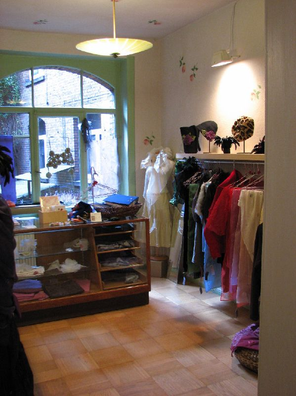 Frau Zimmer (Shop Owner: Collaborate)