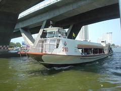 012.昦??耶河上的渡輪