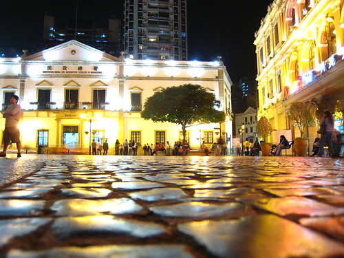 Exploring Macau - Neat light reflections on polished cobblestones