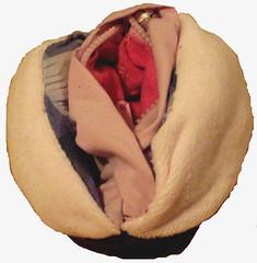 Lucky vulva coinpurse (open)