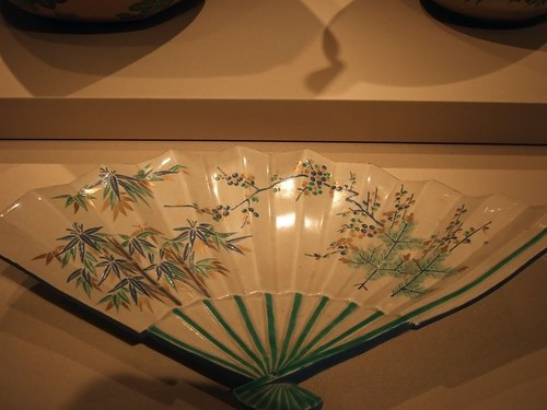 Fan-shaped plate 1700-1800 Kyoto Japan Kiyomizu ware stoneware with ash glaze and overglaze of polychrome enamel