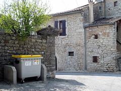 Conteneur jaune de recyclage
