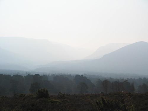 tidig utsikt på väg mot Loch an Eilen - berget till vänster heter Devils Horn
