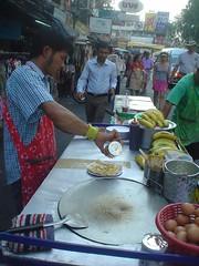 093.拷桑路上的香蕉捲餅攤 (2)