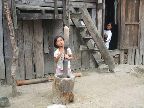 Philippines,Pinoy,Life,city,rural rice pounding girl kalinga