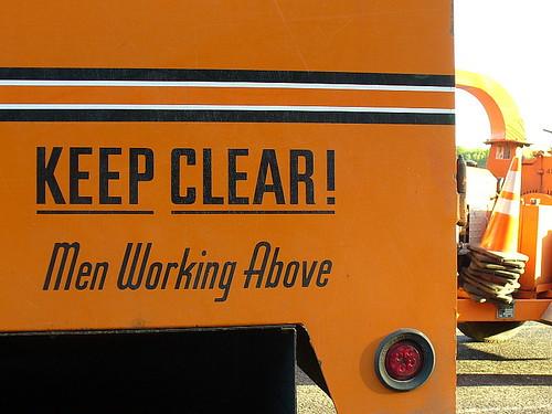 Keep clear!