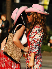 Drunk Girls Kissing