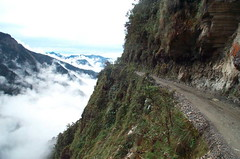 Bolivia's_road_of_death_13