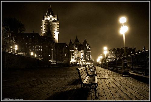 Old Québec at night