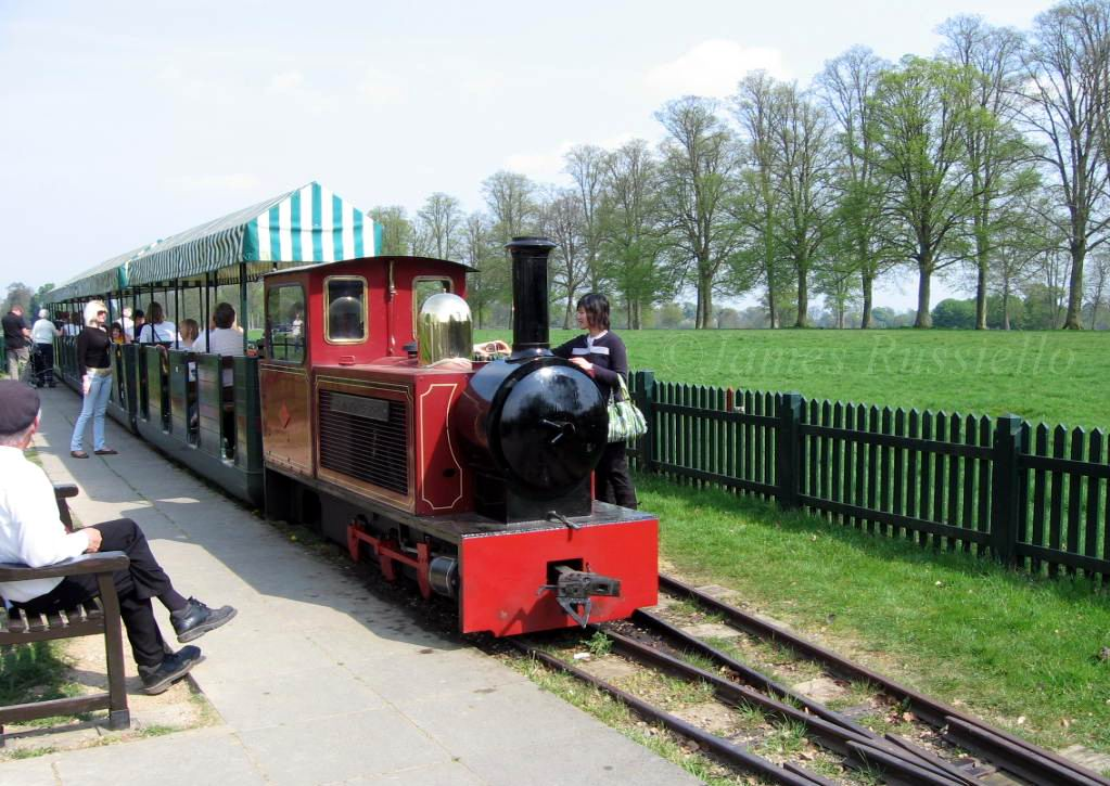 070421.100.OX.Blenheim.Palace.WinstonChurchill Toy Train