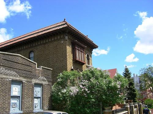 A Strange Mansion On Ovington