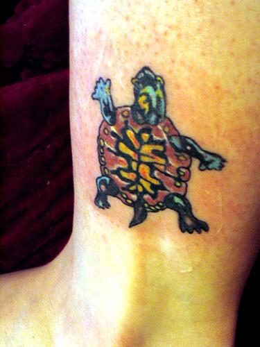 Turtle Tattoo - wider view. Zee new tattoo!