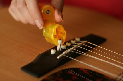 restringing guitar - 04