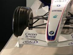 33.BMW F1.07的前鼻翼
