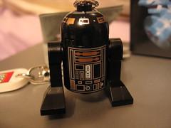 R2 D2 in black?
