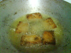Tempe Bacem in frying process