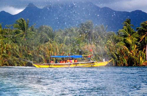 Boat to Calaguas Island, Vinzons, Camarines Norte