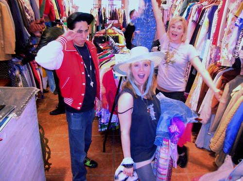 shoppers at the bag sale! weeeeeee