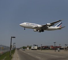 747 Over Airport Road