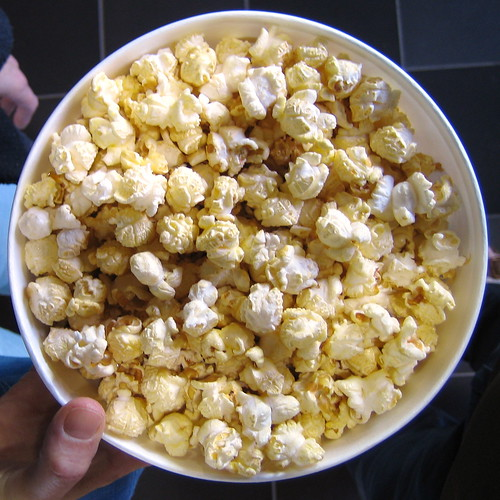 Jed's SMALL serving of popcorn by psd.