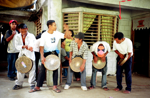 men music traditional kalinga ganza indigenous culture tradition playing music Pinoy Filipino Pilipino Buhay  people pictures photos life Philippinen  菲律宾  菲律賓  필리핀(공화�) Philippines