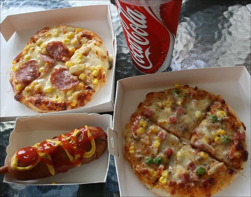 pizza, hotdog, coca-cola