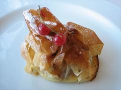 Hostal Empúries_Tarta de manzana con crema