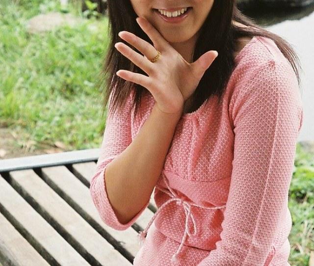 Another Cute Miku Pon Pose Shiroibasketshoes Hopper Tags Cute Girl Beautiful Japan