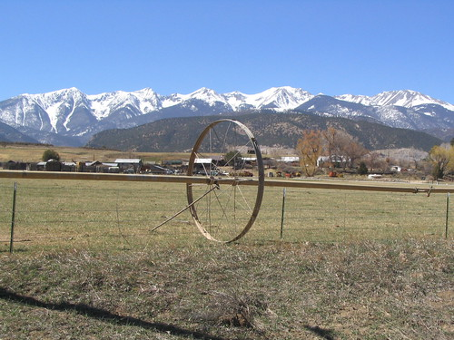 Mountains just outside of Salida by Ken Lund on Flikr