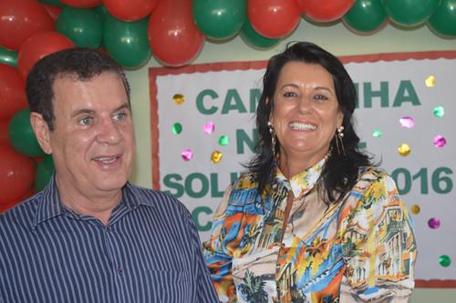 Alegria do casal ao apresentar os números da Campanha de Natal