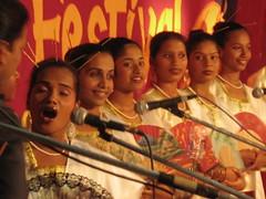 Mando singers on stage