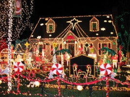 72968490 5d4f550e0e Crazy Christmas Light Displays In Tustin