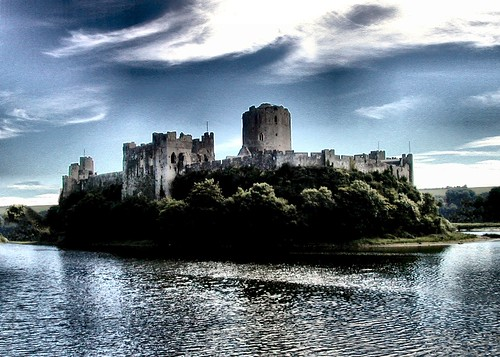 Pembroke Castle: Birthplace of Henry VII (Photo by Matt West on Flickr: Click image)