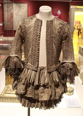 1665 silver tissue doublet and trunk hose 09