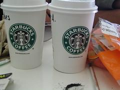 Esta foto la saqué en el Aeropuerto Internacional de Ciudad de Mexico en 2006. Pero los vasos son iguales.