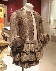 1665 silver tissue doublet and trunk hose 01