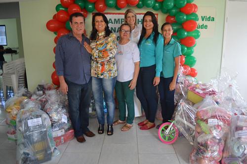Altair e Mara Vilar, a coordenadora administrativa da Creche Educandário Família de Nazaré, Neuza Lagnier, e as colaboradoras do CT Melissa, Débora e Jéssica