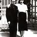 O casal Portinari diante de sua residencia no Condominio Sul America, no Cosme Velho. Rio de Janeiro, 1937.