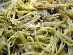 Linguine with Egg, Garlic, and Onions